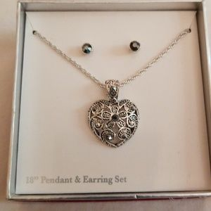 Cute Necklace and Earing Set